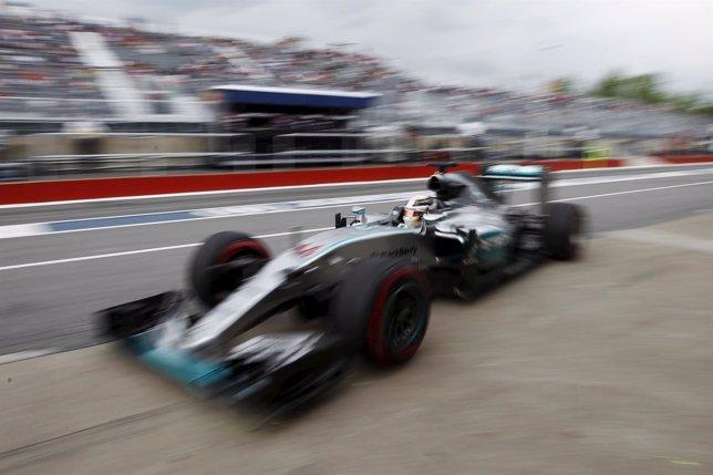 Hamilton vuela en Canadá para firmar la pole