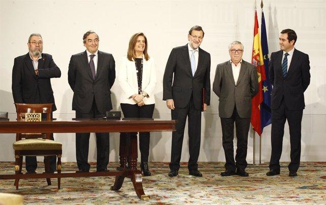 Mariano Rajoy, Fátima Báñez, Juan Rosell, ANtonio Garamendi, Cándido Méndez.
