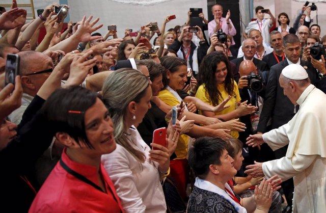 El Papa Francisco con jóvenes en Sarajevo