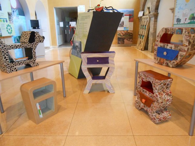 Muebles de cartón.