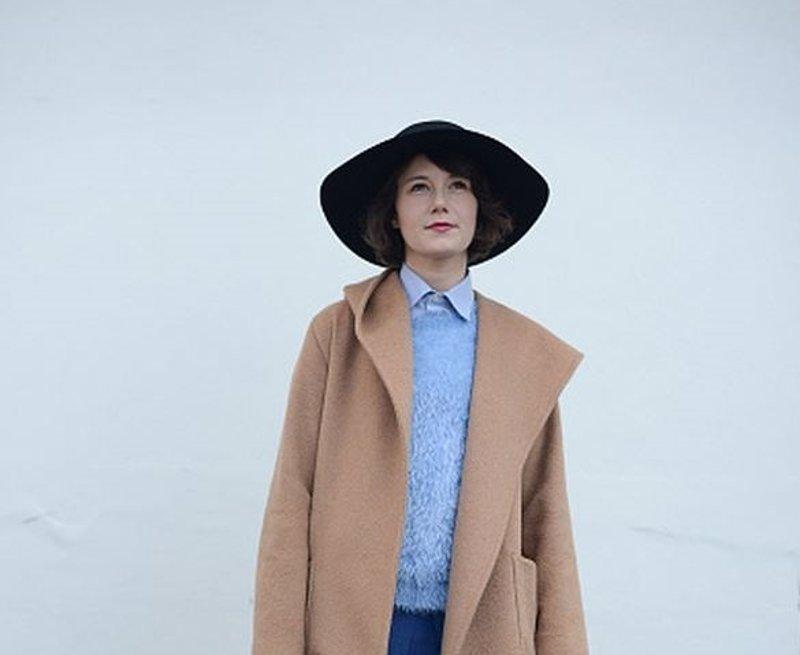 Cómo llevar un sombrero de invierno?