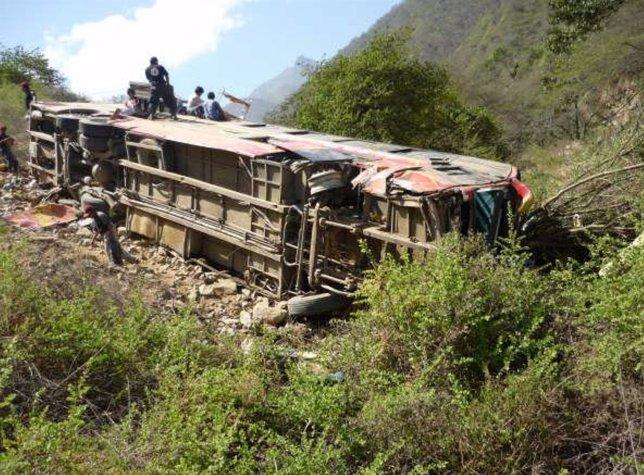 Autobús accidentado en Perú