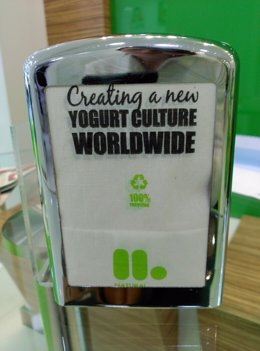 Llaollao utiliza servilletas de material reciclado