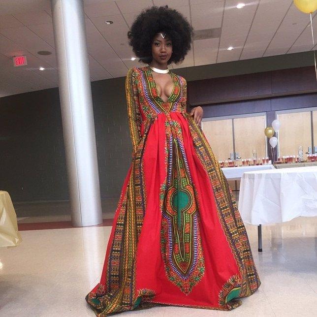 Kyemah McEntyre posando con el vestido