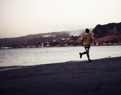 Running en la playa sin lesiones y sobrecargas