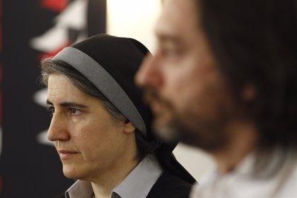 La monja Forcades defiende a los padres que no vacunan a sus hijos y denuncia el negocio farmaceútico