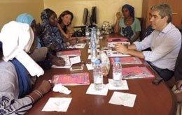 El conseller F.Homs visita la asociación Femmes Juristes de Senegal