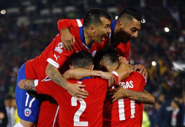 Chile celebra su victoria sobre Ecuador en Copa América