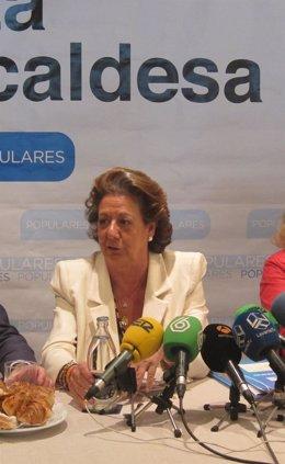 Rita Barberá durante el desayuno informativo