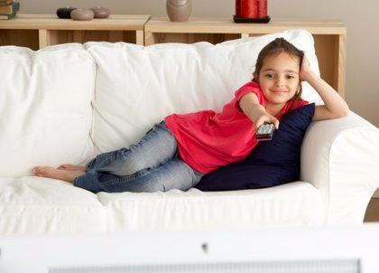 Evita que los niños vean la televisión antes de ir al colegio