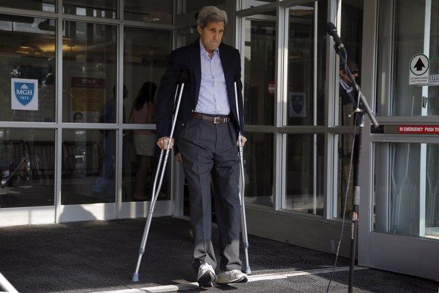 John Kerry a su salida del hospital