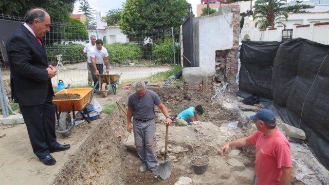 Excavación en el Parque de las Acacias en Algeciras