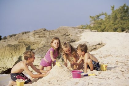 10 ideas para divertirte en la playa con niños