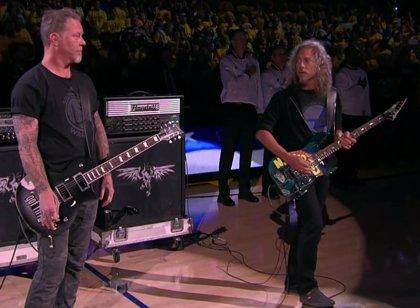 Vídeo: Metallica tocan el himno de Estados Unidos en las finales de la NBA