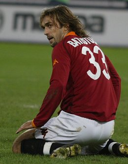 BATISTUTA OF ROMA KNEELS ON GROUND DURING THEIR SERIE A MATCH AGAINST
