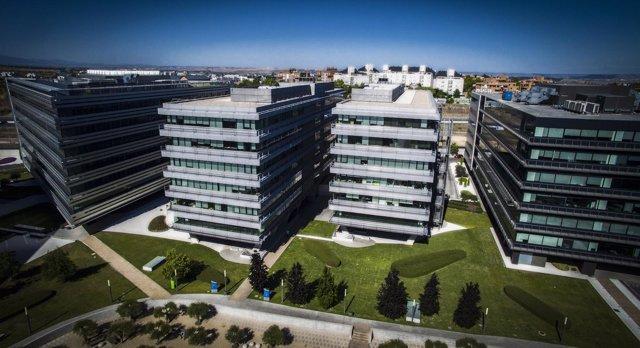 Edificos de oficinas comprados por Axiare en el Campo de las Naciones de Madrid.