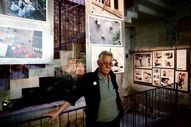 Nazario Luque expone 'La plaza Real y su gente'