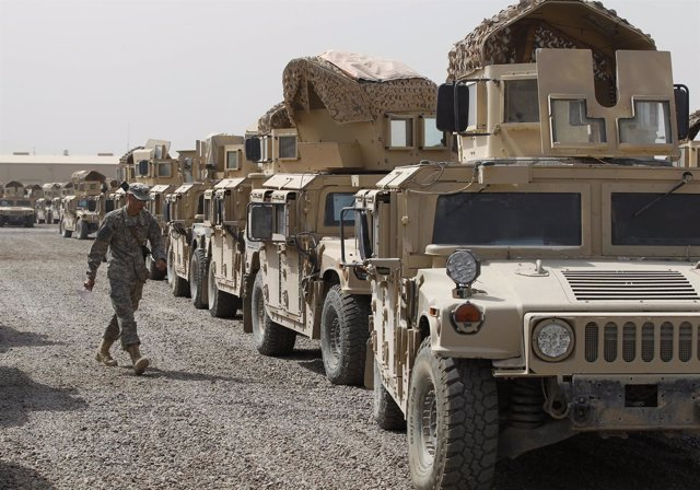 Militares De EEUU Recogen Todo Su Equipamiento Militar De Irak