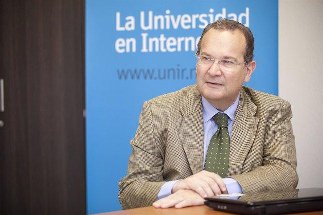 Rector de la UNIR, José María Vázquez
