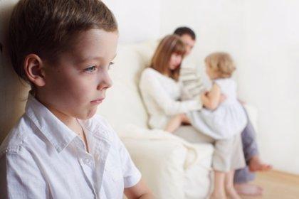 La familia frente a los celos entre hermanos