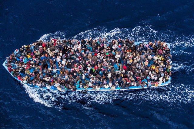 Inmigrantes en una embarcación