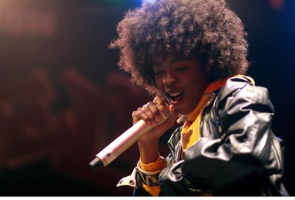 Escucha a Lauryn Hill versionar Feeling Good de Nina Simone