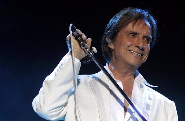 Cantante brasileño Roberto Carlos