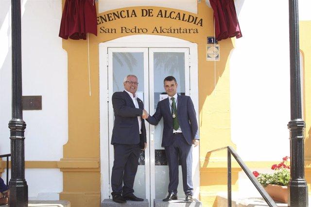 Rafael Piña OSP y el alcalde de marbella José Bernal Tenencia San Pedro Marbella