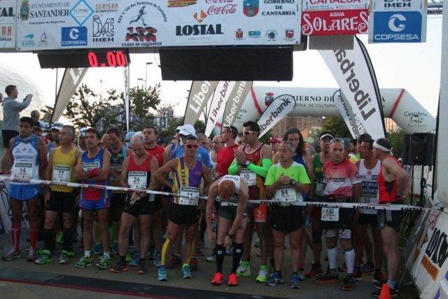 Salida de los 100 kilómetros pedestres 'Ciudad de Santander'