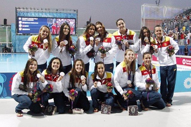 Selección española de waterpolo femenino, plata en Bakú