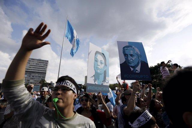 Protestas contra presidente y vicepresidenta de Guatemala