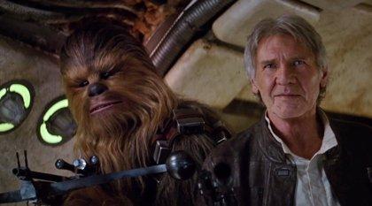 Star Wars El despertar de la Fuerza: Nuevas fotos con Han Solo, Rey y Finn en el Halcón Milenario