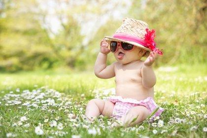 Cómo vestir al bebé en verano