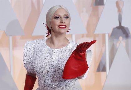 Vídeo: Lady Gaga canta Panama de Van Halen