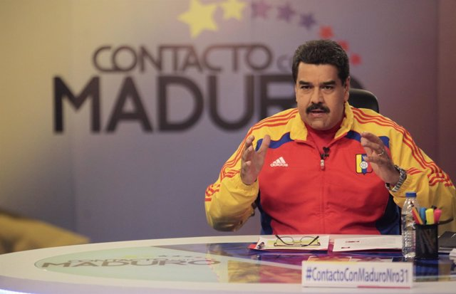 "Venezuela's President Nicolas Maduro speaks during his weekly broadcast ""en cont"