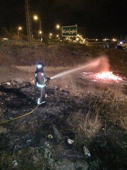 Intervención de los bomberos por las hogueras de San Juan