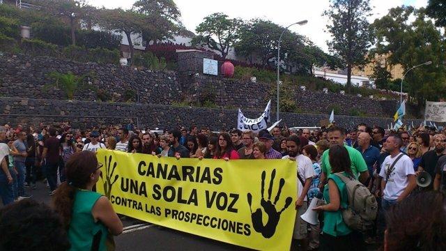 Manifestación contra las prospecciones