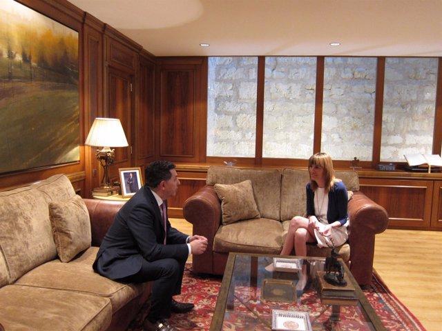 Cuevas se reúne con González para proponer candidato al Gobierno