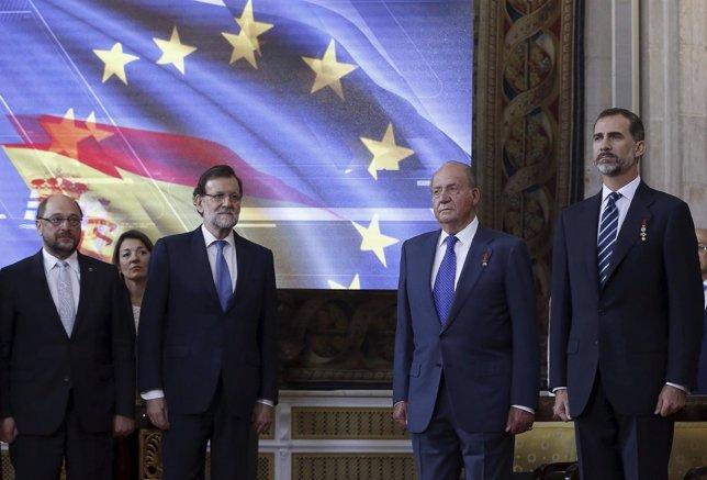 El Rey Felipe VI, el rey don Juan Carlos, Mariano Rajoy y Martin Schulz