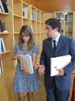 Los portavoces Rebeca Pérez y Jesús Pacheco