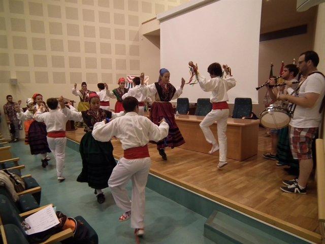 Curso de folklore en Torrelavega