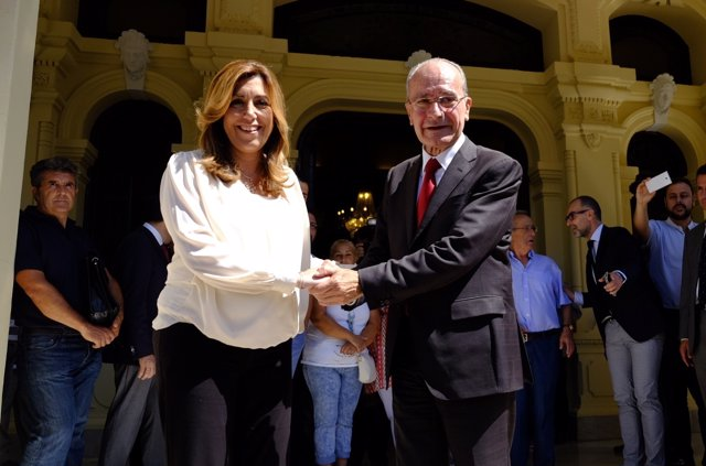 Susana Díaz y De la Torre en una reunión en el Ayuntamiento de Málaga