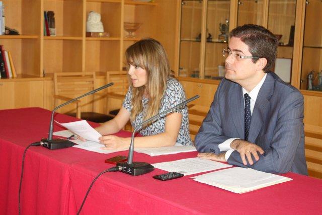 Rebeca y Pacheco, en la rueda de prensa