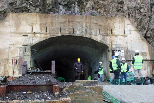 Entrada del túnel de la mina de Riotinto
