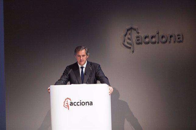 El presidente de Acciona, José Manuel Entrecanales, ante la junta de accionistas