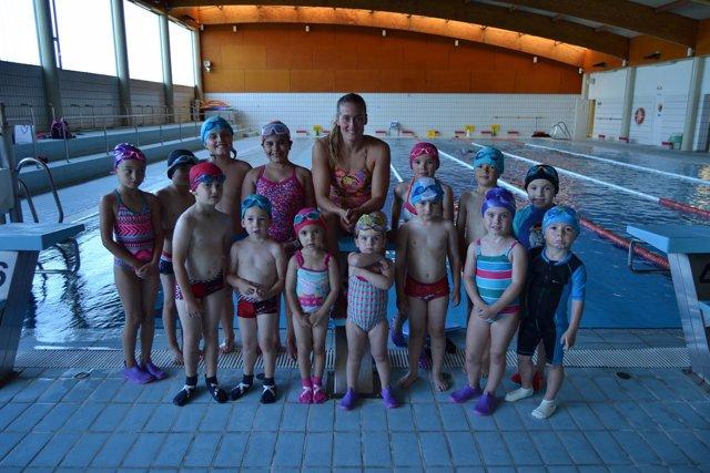 Mireia Belmonte con alumnos del IMD
