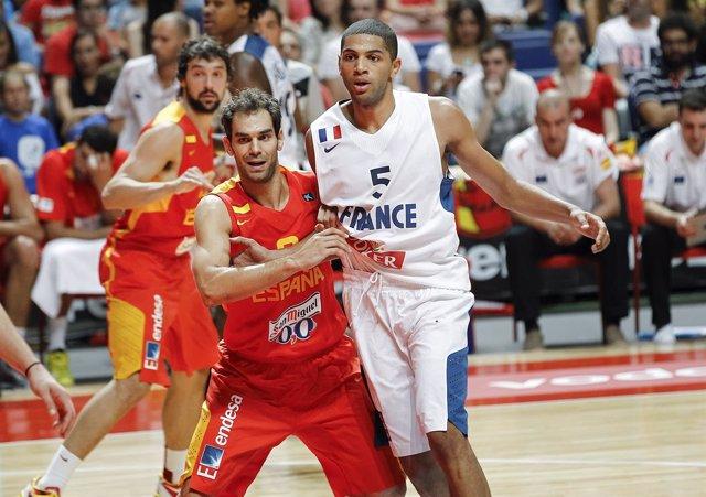 Jose Calderón y Nico Batum en un España - Francia
