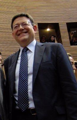 Ximo Puig en las Corts Valencianes