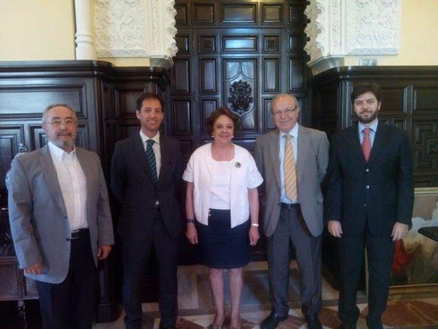 Reunión de Carmen Castreño con la APES