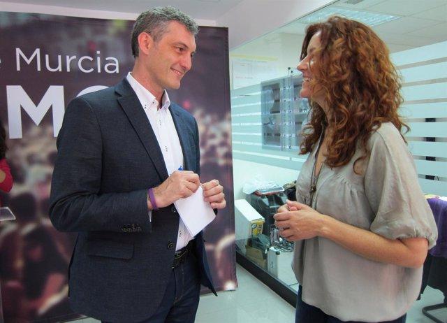 Oscar Urralburu y María Ángeles García Navarro de Podemos